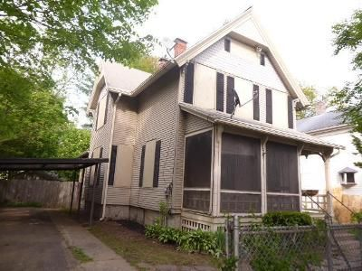 3 Bed 1.5 Bath Foreclosure Property in Springfield, MA 01109 - Florida St