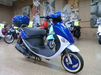 2015 Genuine Scooters Buddy 50 Little International 250 - 500cc Scooters Downers Grove, IL