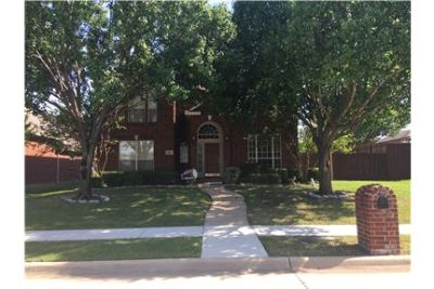 4BR - 3:5 Bath Home is desirable Frisco neighborho