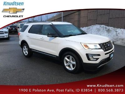 2016 Ford Explorer XLT (White Platinum Metallic Tri Coat)