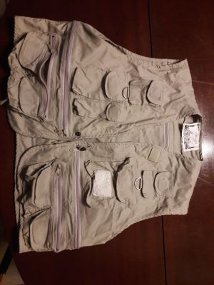 Fly Fishing Utility Vest Size XXL many pockets Rarely used