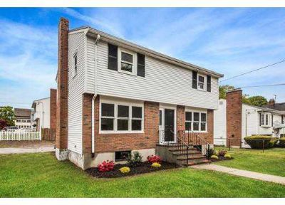79 Garfield Ave HYDE PARK Four BR, Welcome to this beautiful