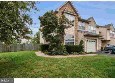 217 Roosevelt Blvd Berlin, This amazing 3 BR two
