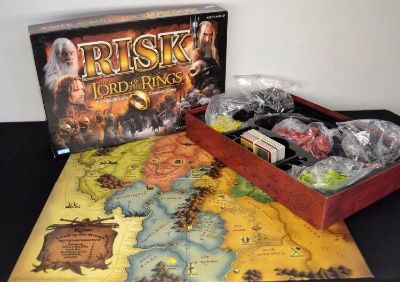 RISK Lord of the Rings all pieces are included; EUC