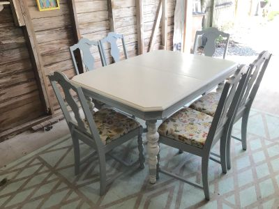 White Antique Dining Table with 6 Chairs $550