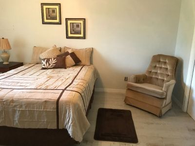 Lg Room with Lg Walk-in Closet for rent