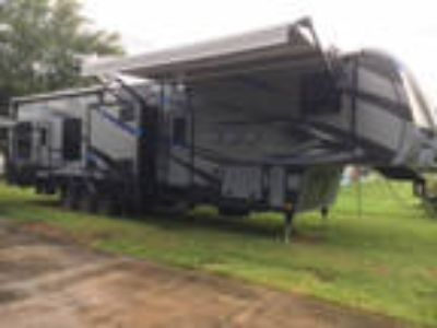 2015 Keystone Fuzion 416 42ft