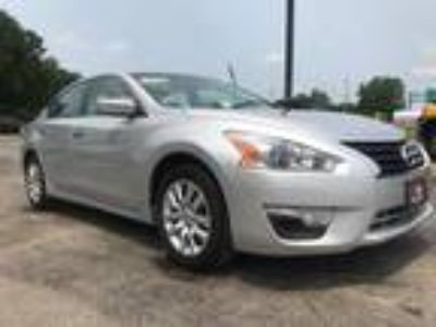 used 2013 Nissan Altima for sale.