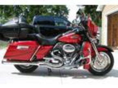 2007 Harley-Davidson Screamin' Eagle CVO...Touring