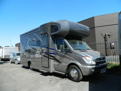2009 Monaco COVINA Sprinter Diesel with Slide