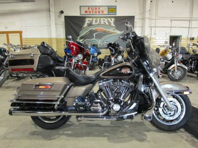 2004 Harley-Davidson FLHTCUI Ultra Classic Electra Glide Touring Motorcycles South Saint Paul, MN