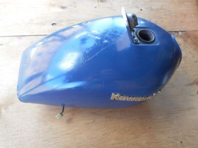 Purchase 1981 KAWASAKI KZ650H GAS TANK WITH GAS CAP, PET COCK AND SENDING UNIT motorcycle in Fitchburg, Massachusetts, United States, for US $200.00