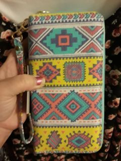 New with tag, cute wallet with wristlet, double sided zip