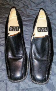 Size 6 black Nine West shoes