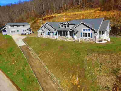 2014 Ky Rt 825 Hagerhill Four BR, If you're looking for a