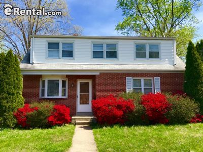 $2600 3 single-family home in Bethesda