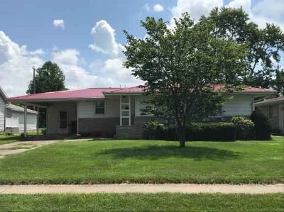 501 W Kentucky Avenue Effingham Three BR, Well maintained ranch