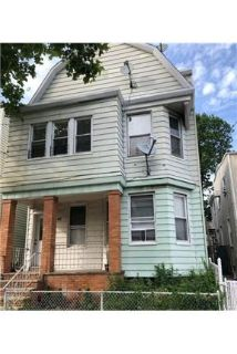 This rental is a Bayonne apartment West 54th.