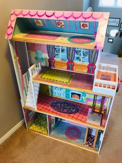 Wooden Doll House & Accessories