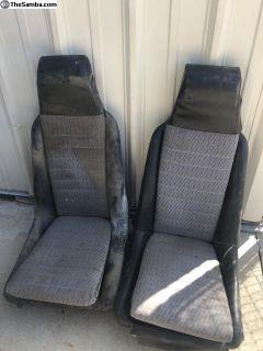 914 Seats