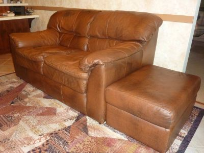 FULL LEATHER Brown LOVE SEAT AND MATCHING OTTOMAN