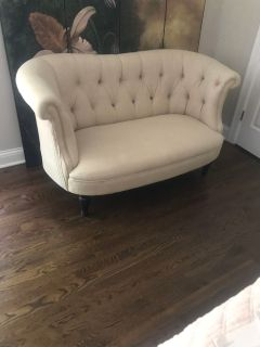 Loveseat/sofa