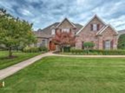 5400 Turnberry Road, Rogers