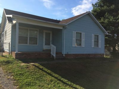3 bedroom 1 (double access) bath, House for Rent, Shed, fenced Yard, Central H&A, Pets OK