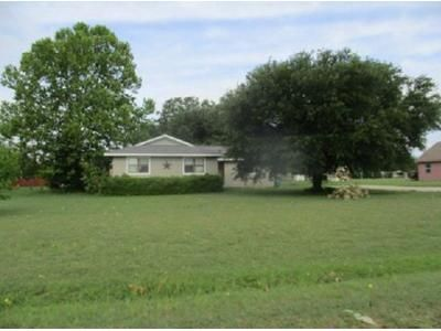 4 Bed Preforeclosure Property in Tioga, TX 76271 - S Cherokee Dr