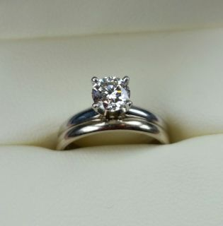 Solitaire diamond on a Platinum setting