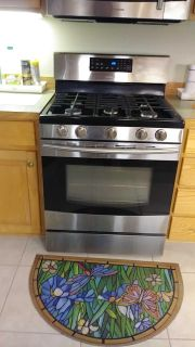 Samsung Gas Stove. Excellent condition.