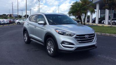 2018 Hyundai Tucson SEL Plus (Molten Silver)