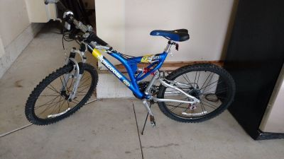 BIKE - MONGOOSE XR150 Mountain Bike - Blue, Excellent Condition, Never Used.