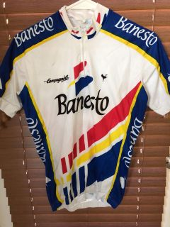 2 pictures cycling shirts m