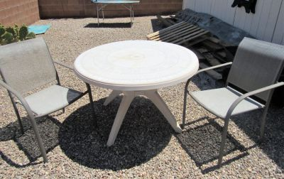 outdoor table and 2 chairs