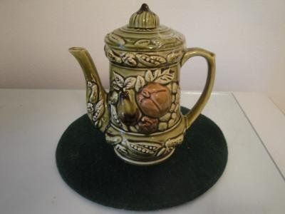 fruited design tea pot