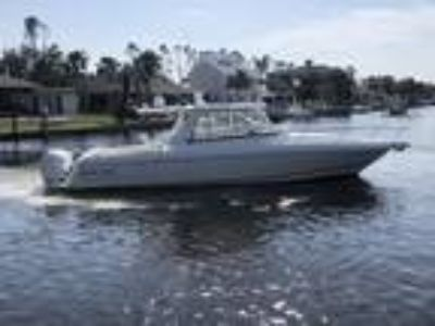2009 Intrepid 390 Sport Yacht