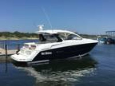 39' Cruisers Yachts 390 Express Coupe 2015
