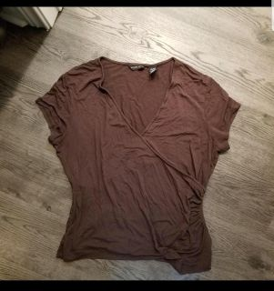 New York and company Xl top, very stretchy material. Free with purchase