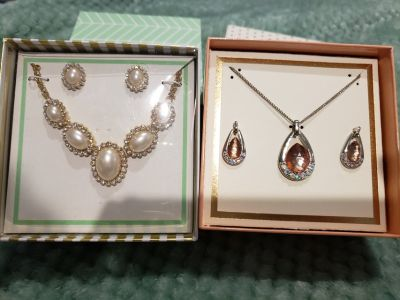New necklace and earring sets