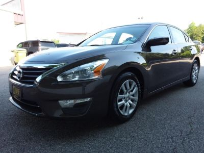 2013 Nissan Altima 2.5 (Brown Or Taupe)