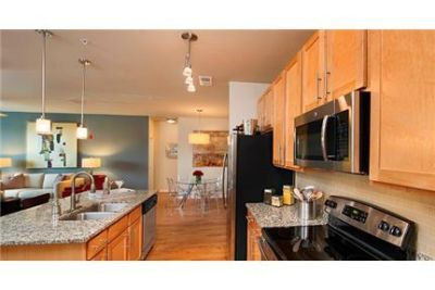 2 bedrooms Apartment - Best-in-Class interior finishes. Parking Available!