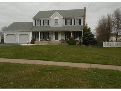 4 Bed 3 Bath Preforeclosure Property in Wethersfield, CT 06109 - Goff Rd