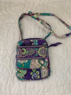 VERA BRADLEY. Like new 10/10 condition. Very organizing.