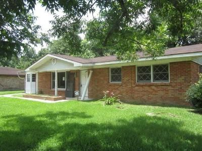 3 Bed 2 Bath Foreclosure Property in Picayune, MS 39466 - Pinewood Dr
