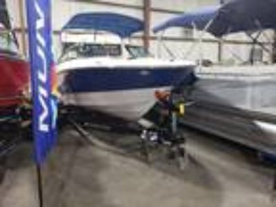 2019 Monterey M20 BOWRIDER w/ MERC 4.5L 200 HP 1.81 ALPHA I/O