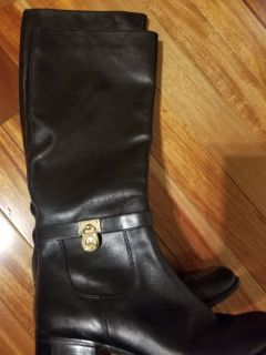Mk boots size 10