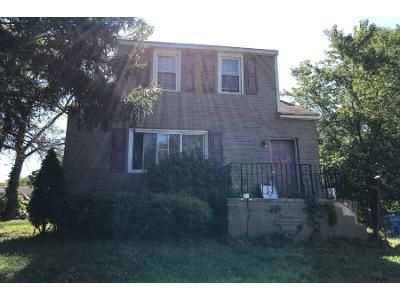 3 Bed 1.5 Bath Foreclosure Property in Bristol, PA 19007 - Willow Ave
