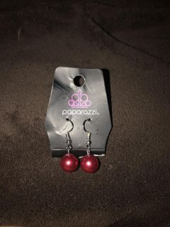 One pair new paparazzi earring