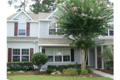 Townhouse - Myrtle Beach - come and see this one. Washer/Dryer Hookups!